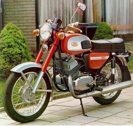 http://www.RetroMoto.lv/images/uploads/1539767364-1496655878-jawa-1979.JPG