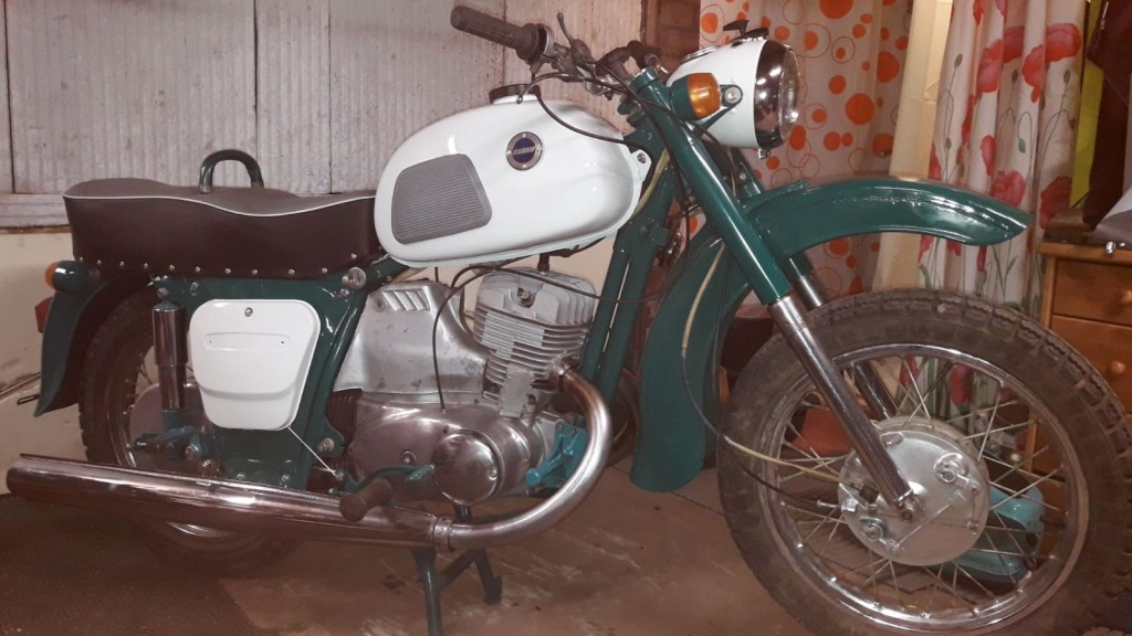 http://www.RetroMoto.lv/images/uploads/1598901435-picture-2019-2020-363.jpg